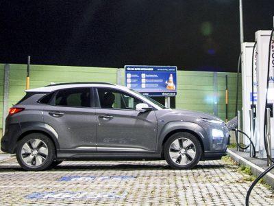 Hyundai Kona Electricille myönnettiin TopGearin Electric Awards -palkinto