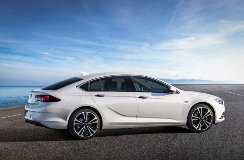 Täysin uusi Opel Insignia Grand Sport on saapunut