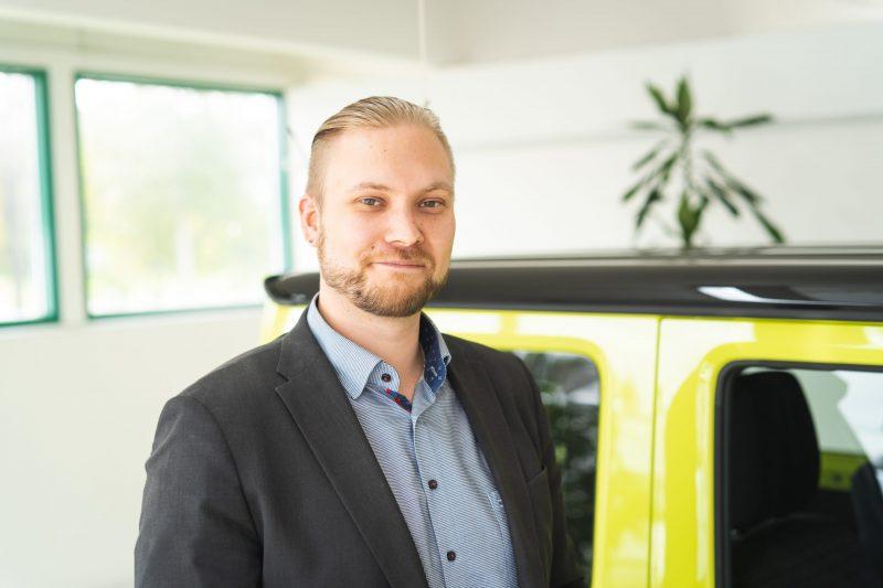 Salapoliisityötä ja vastuullisia autokauppoja – haastattelussa automyyjä Jesse Syysjoki